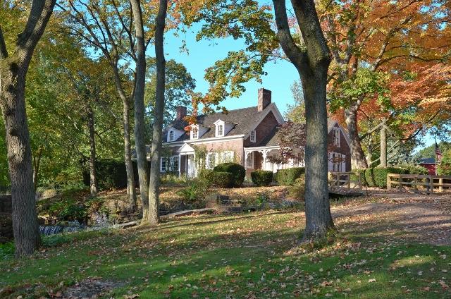 Kingsland Manor